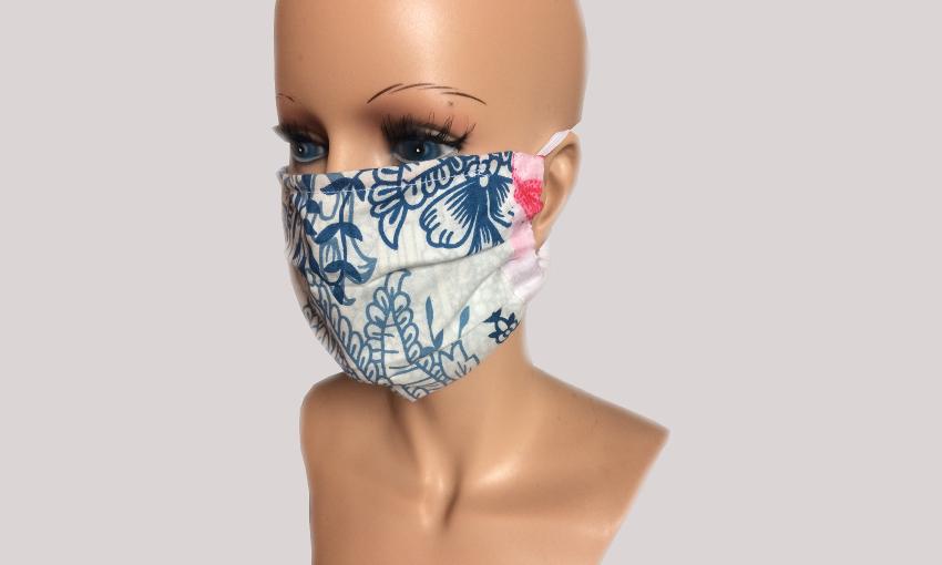 Maske mit Büste